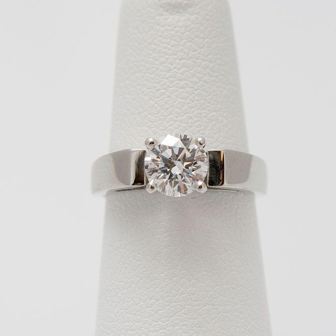 Platinum Ring With Brilliant Diamond