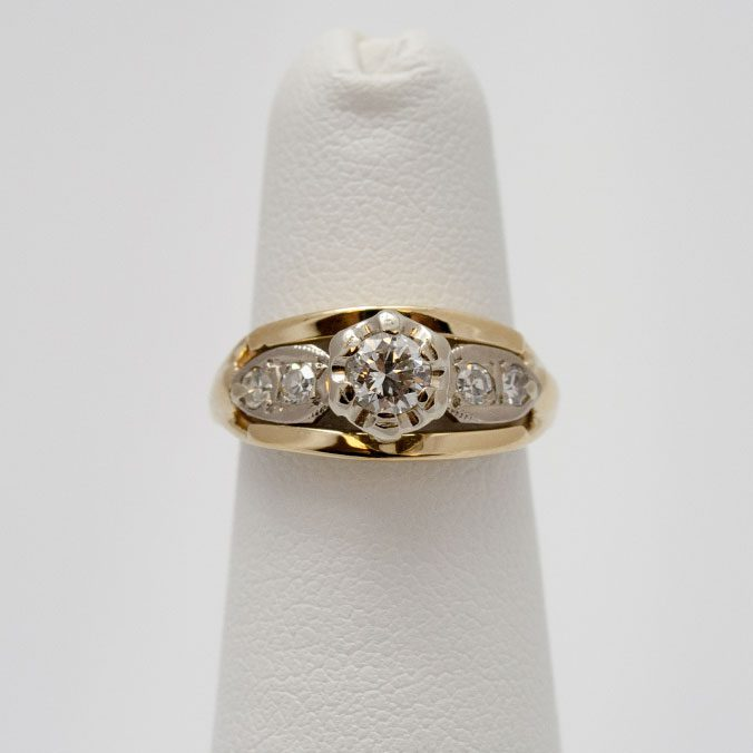Stunning 14kt Gold Diamond Engagement Ring